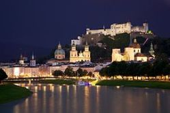 270px-Old_Town_Salzburg_across_the_Salzach_river